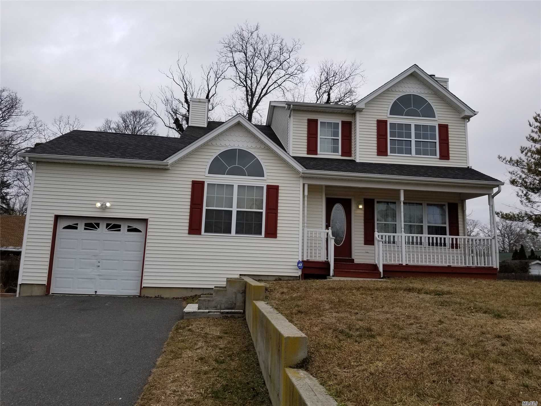 Photo of home for sale at 79 Saint George Dr, Shirley NY