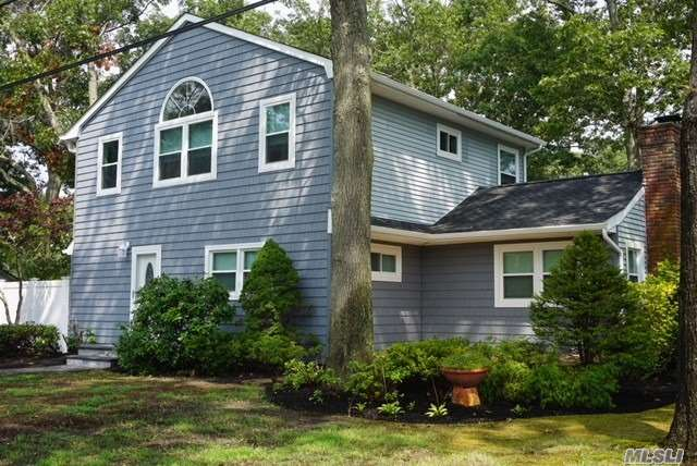 Photo of home for sale at 1 Roberta St, East Patchogue NY