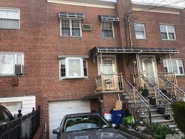 Photo of home for sale at 4059 Paulding Ave, Bronx NY