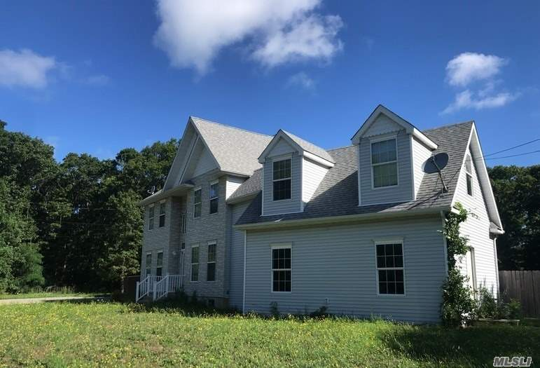 Photo of home for sale at 25 Wading River Rd, Center Moriches NY