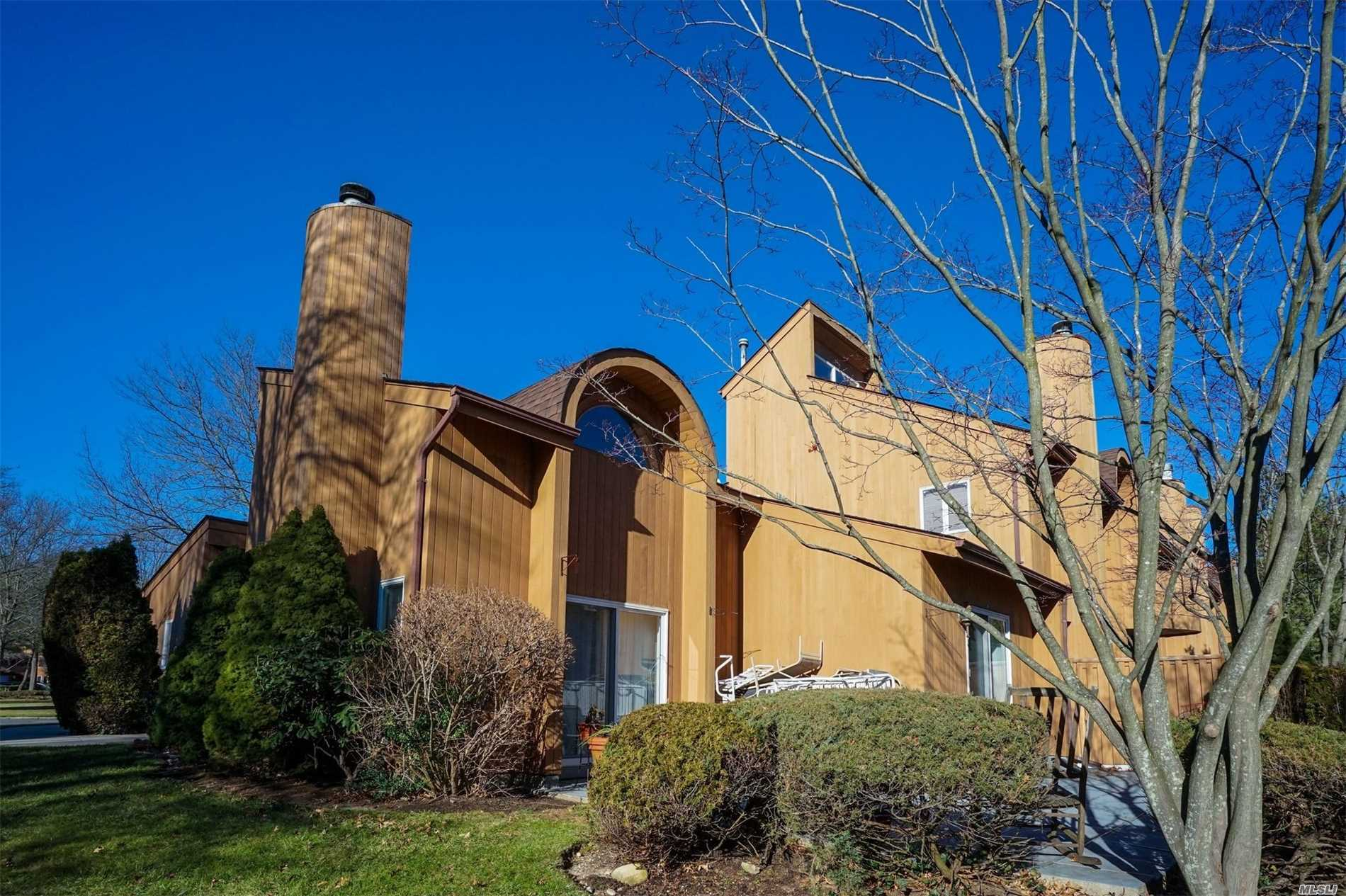 Property for sale at 6 Kristin Ln, Hauppauge,  NY 11788