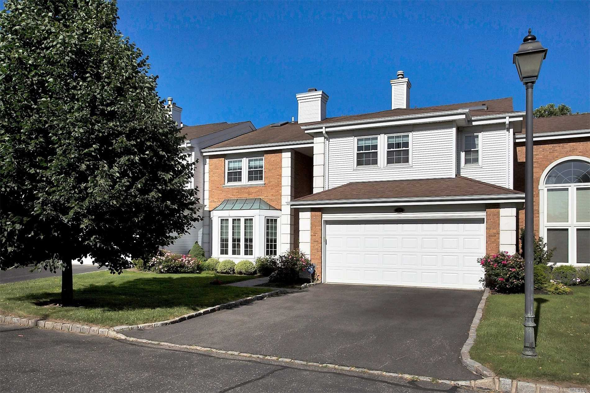 Property for sale at 19 Hamlet Dr, Commack,  NY 11725