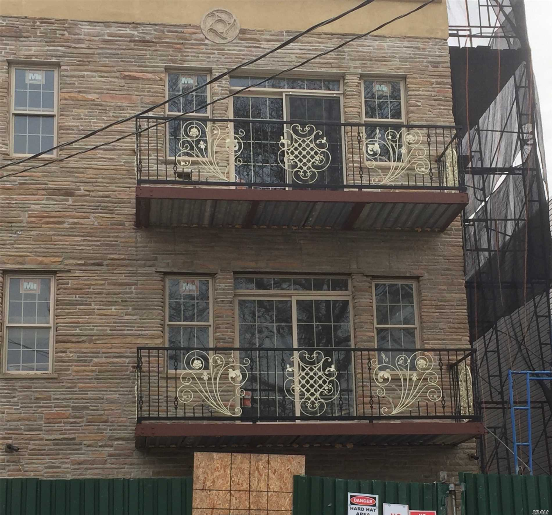 Photo of home for sale at 377 Milford, Brooklyn NY