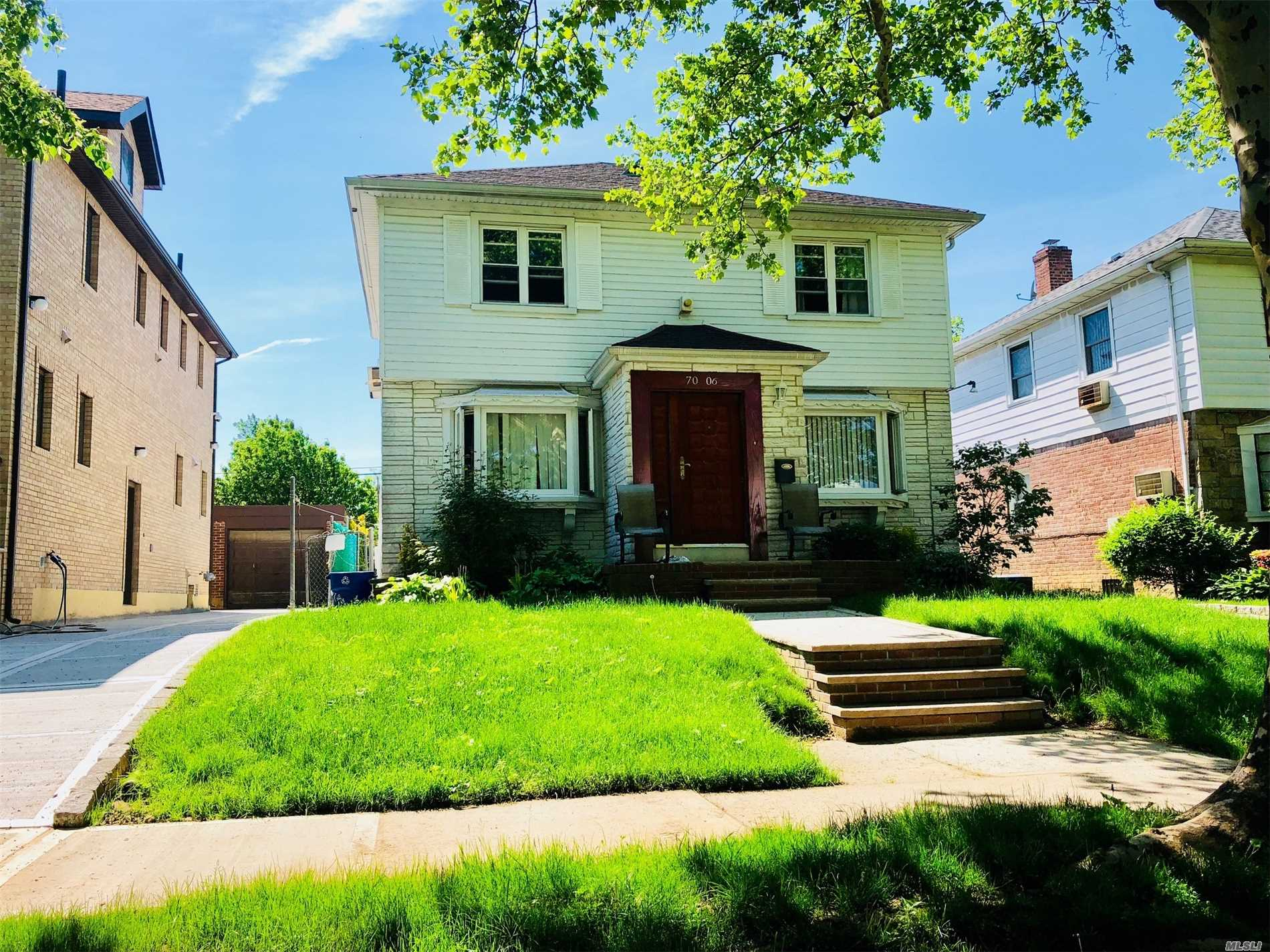 Photo of home for sale at 70-06 173rd St, Fresh Meadows NY