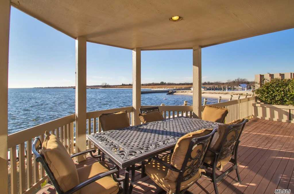 Property for sale at 19 Captains Walk, Bay Shore,  NY 11706