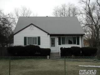 Photo of home for sale at 51 Bradley St, Brentwood NY