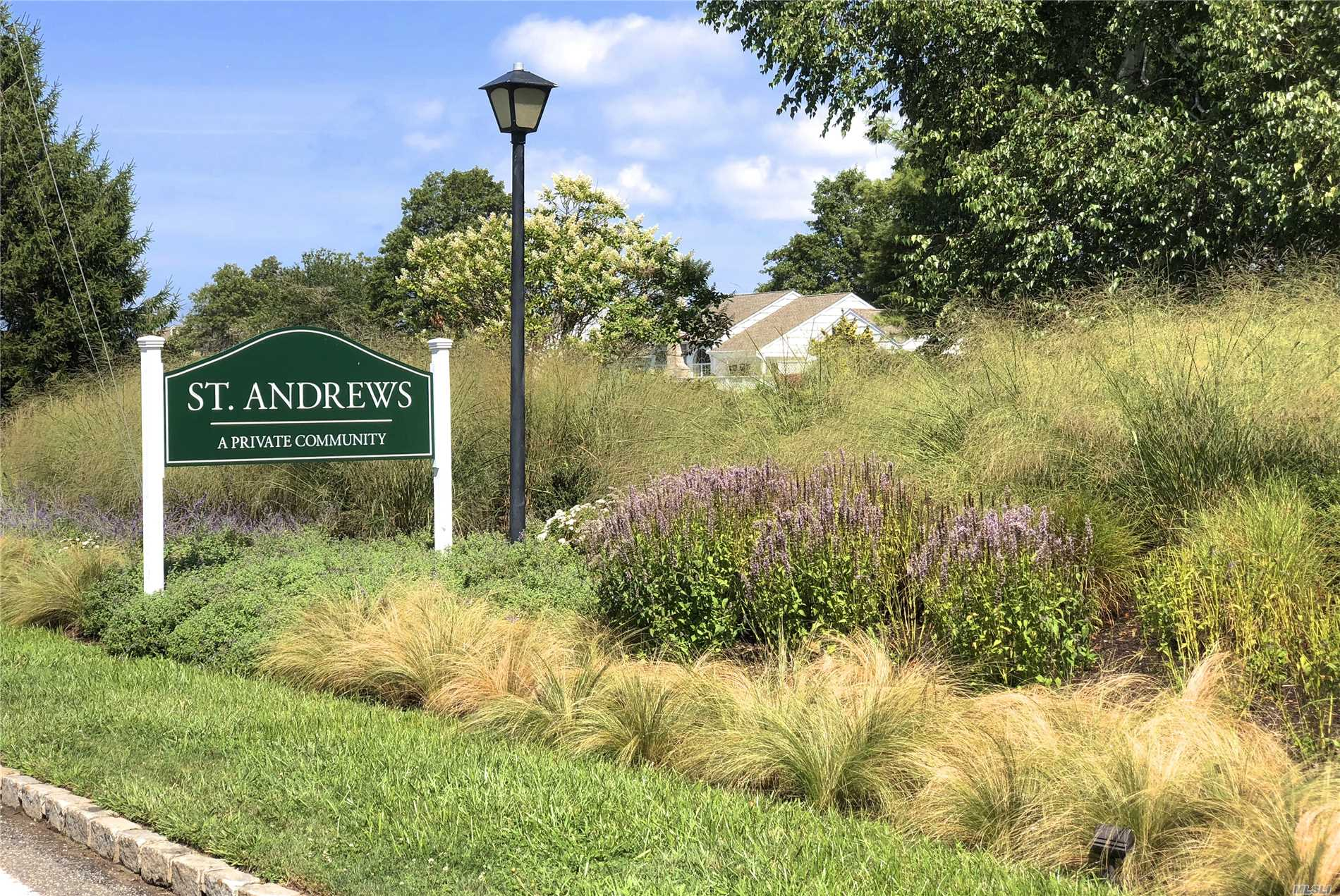 Photo of home for sale at 11 Saint Andrews Cir, Southampton NY