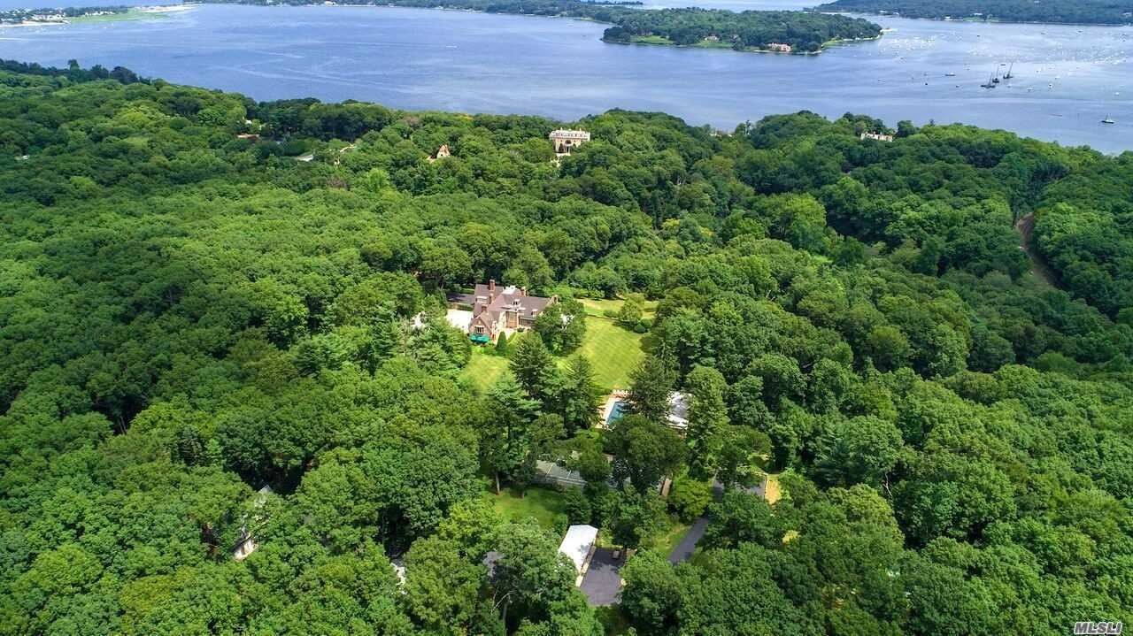 Property for sale at 222 Cleft Rd, Mill Neck,  NY 11765