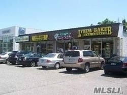 Photo of home for sale at 820 Jericho Tpke E, Huntington Sta NY