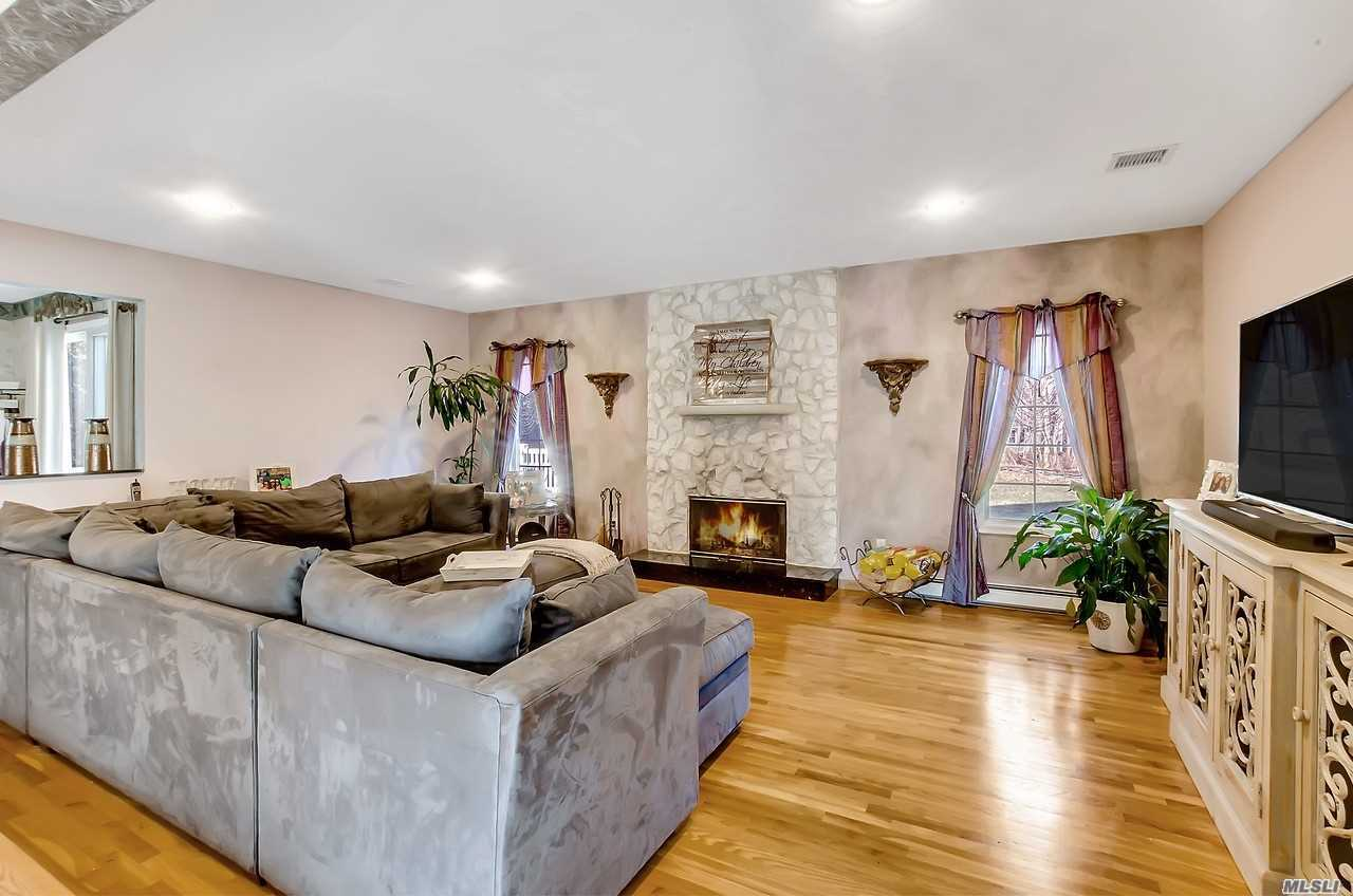Photo of home for sale at 310 Oakwood Rd, Port Jefferson NY