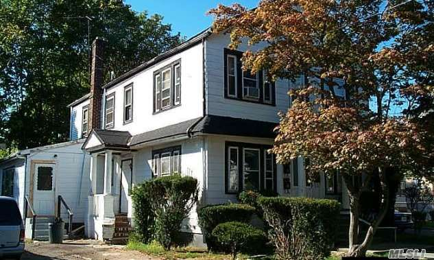 12 Jefferson Pl Hempstead NY 11550