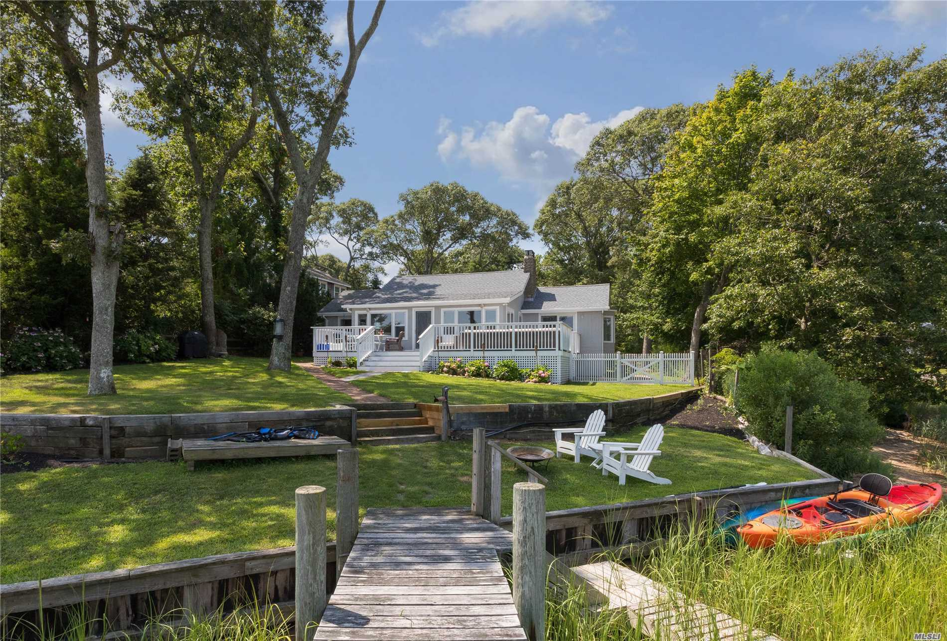 Photo of home for sale at 2125 Pine Tree Rd, Cutchogue NY