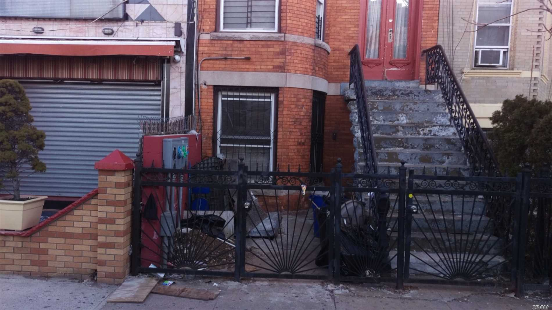 Photo of home for sale at 403 29 St, Brooklyn NY