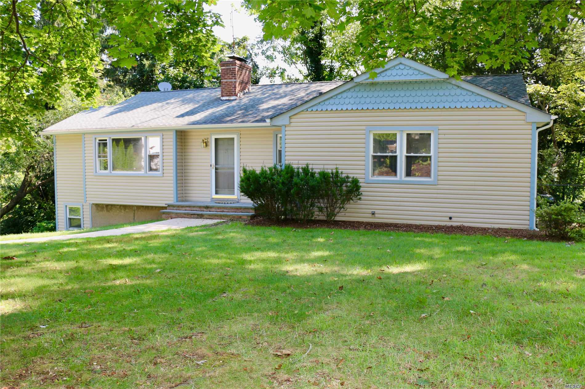 Photo of home for sale at 15 Forest Dr, Centerport NY