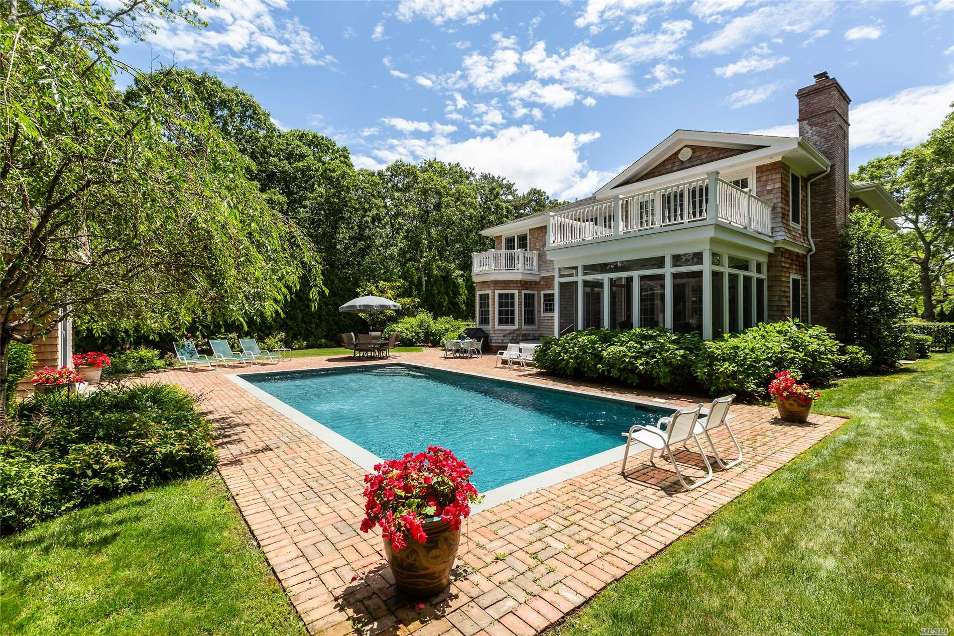 Photo of home for sale at 28 Howell Ln, Westhampton Bch NY