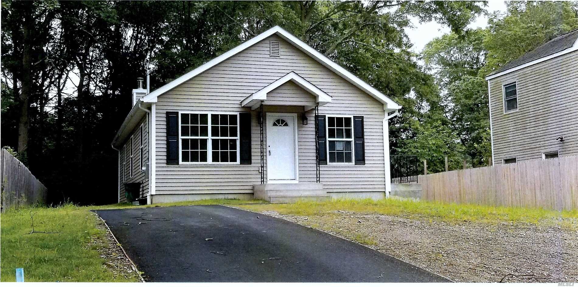 Photo of home for sale at 0 Greene Ave, Selden NY