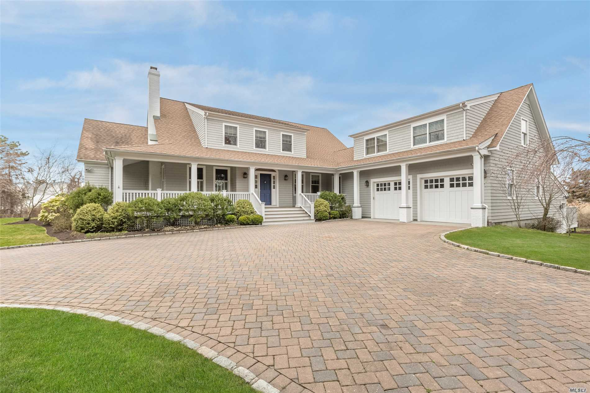Photo of home for sale at 17 Quantuck Ln, Quogue NY