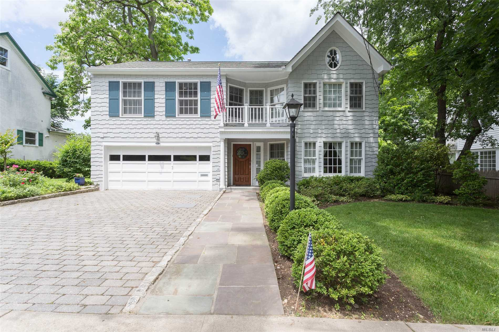 Photo of home for sale at 331 Beverly Rd, Douglaston NY