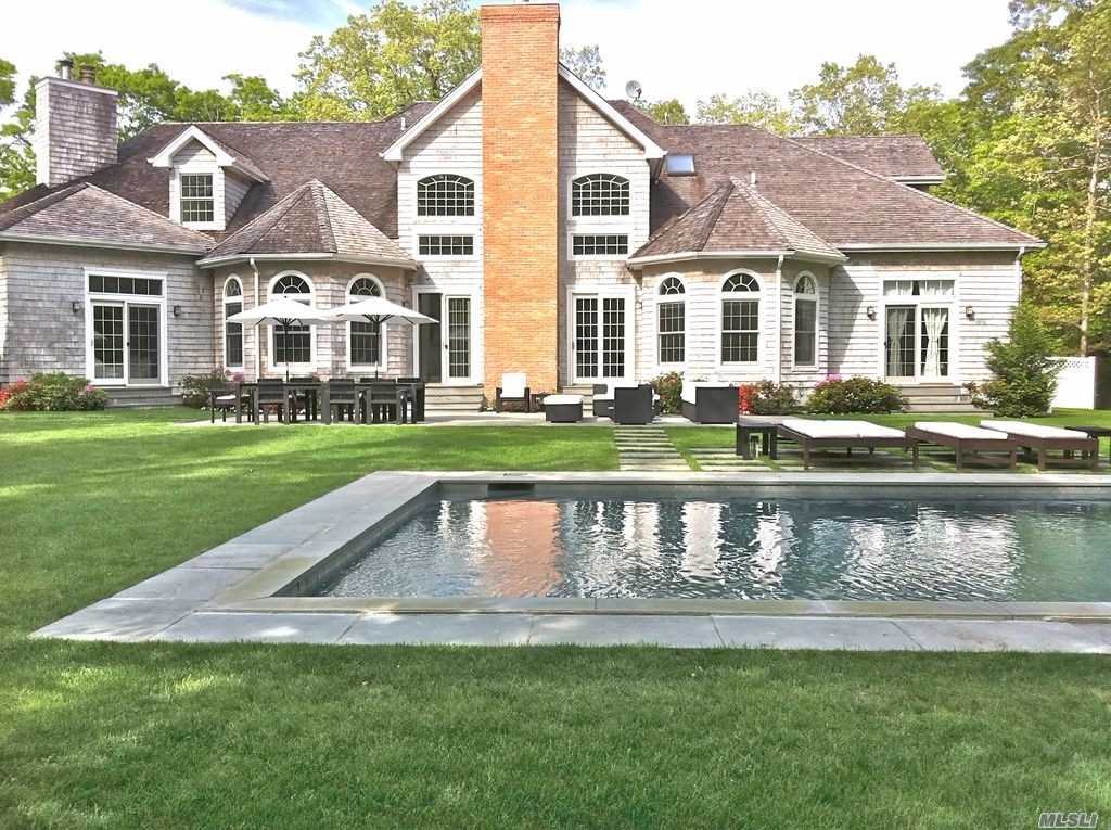 Photo of home for sale at 19 Old School House Ln, East Hampton NY