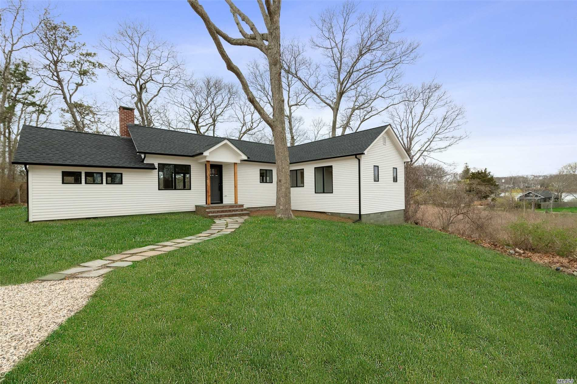 Photo of home for sale at 260 Huckleberry Hill Rd, East Marion NY