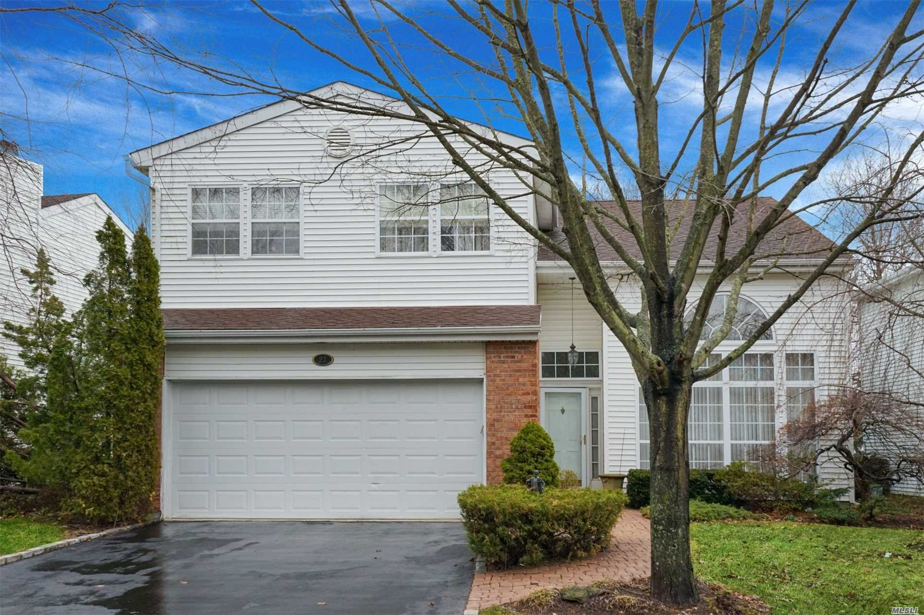 Property for sale at 27 Hamlet Dr, Commack,  NY 11725
