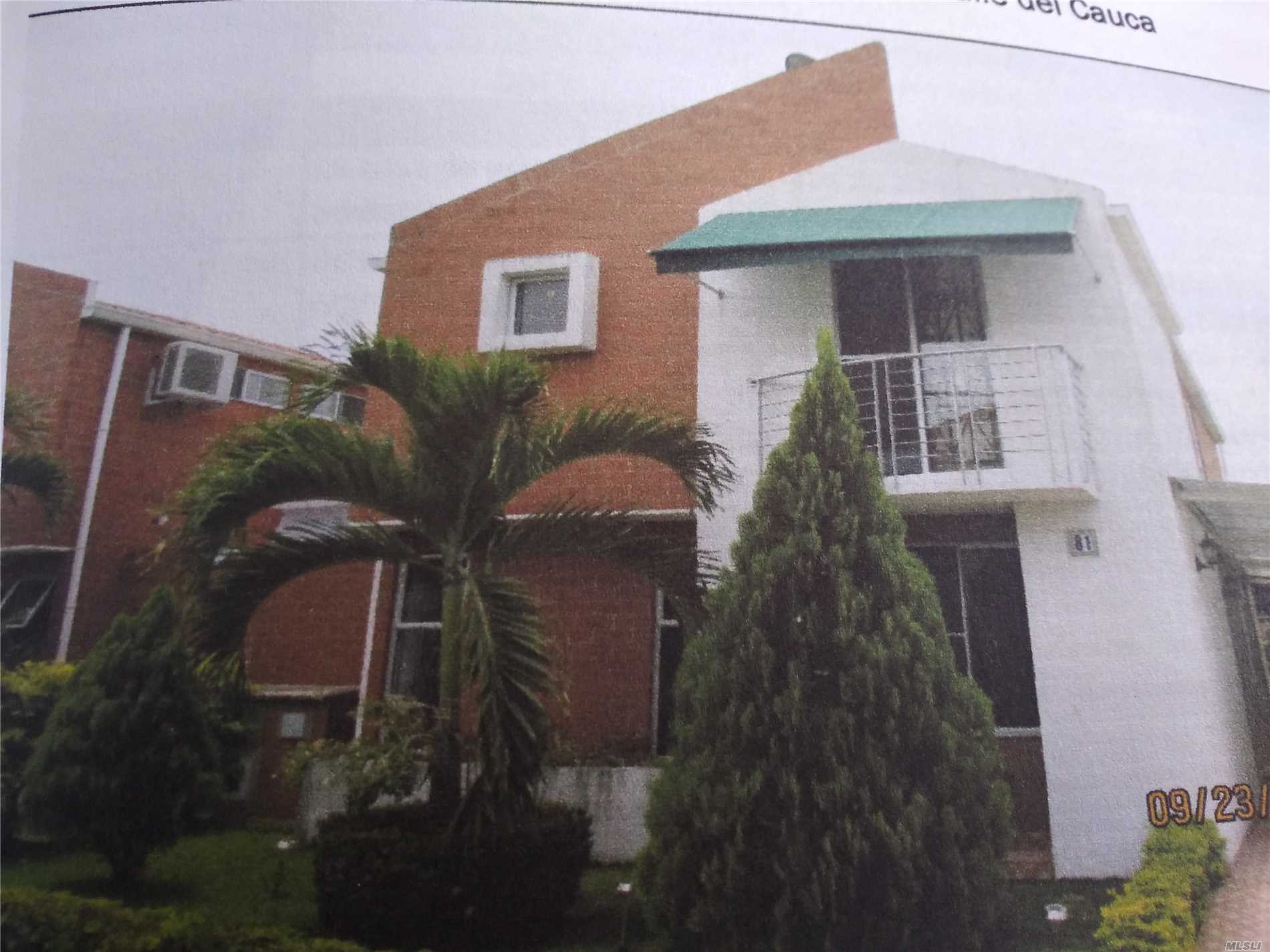 Photo of home for sale at Fontana Valle Del Cauca, Jumundi CO