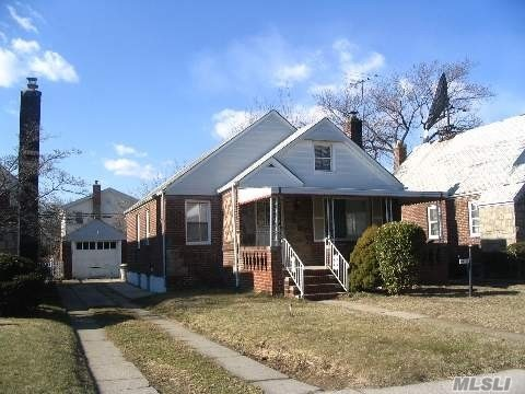 Photo of home for sale at 115-56 225th St, Cambria Heights NY