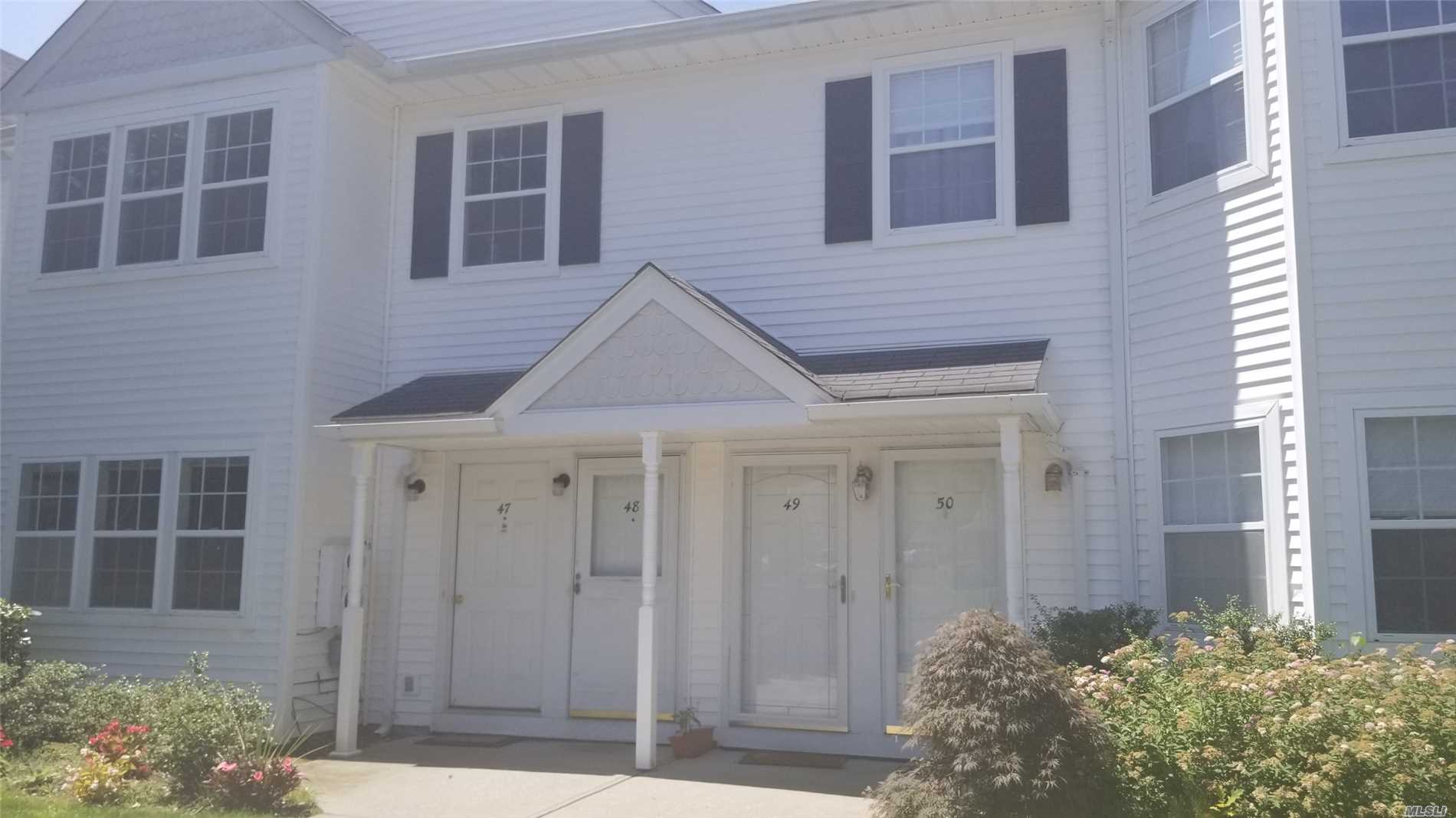 Property for sale at 48 Country View Ln, Middle Island,  NY 11953