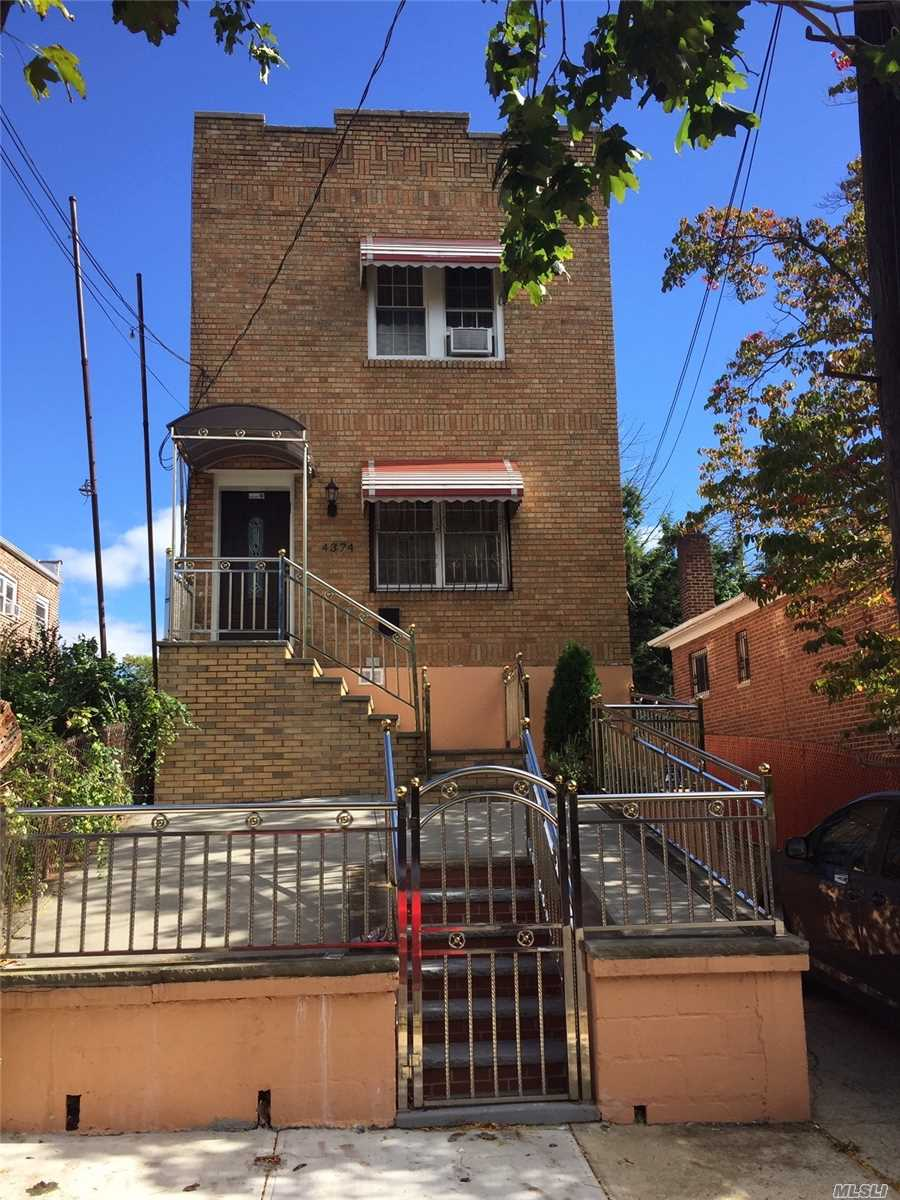 Photo of home for sale at 4374 Ely Ave, Bronx NY
