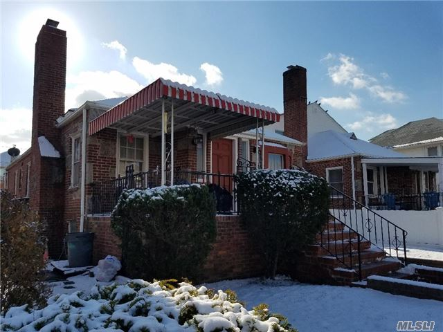 Photo of home for sale at 534 Olive St W, Long Beach NY