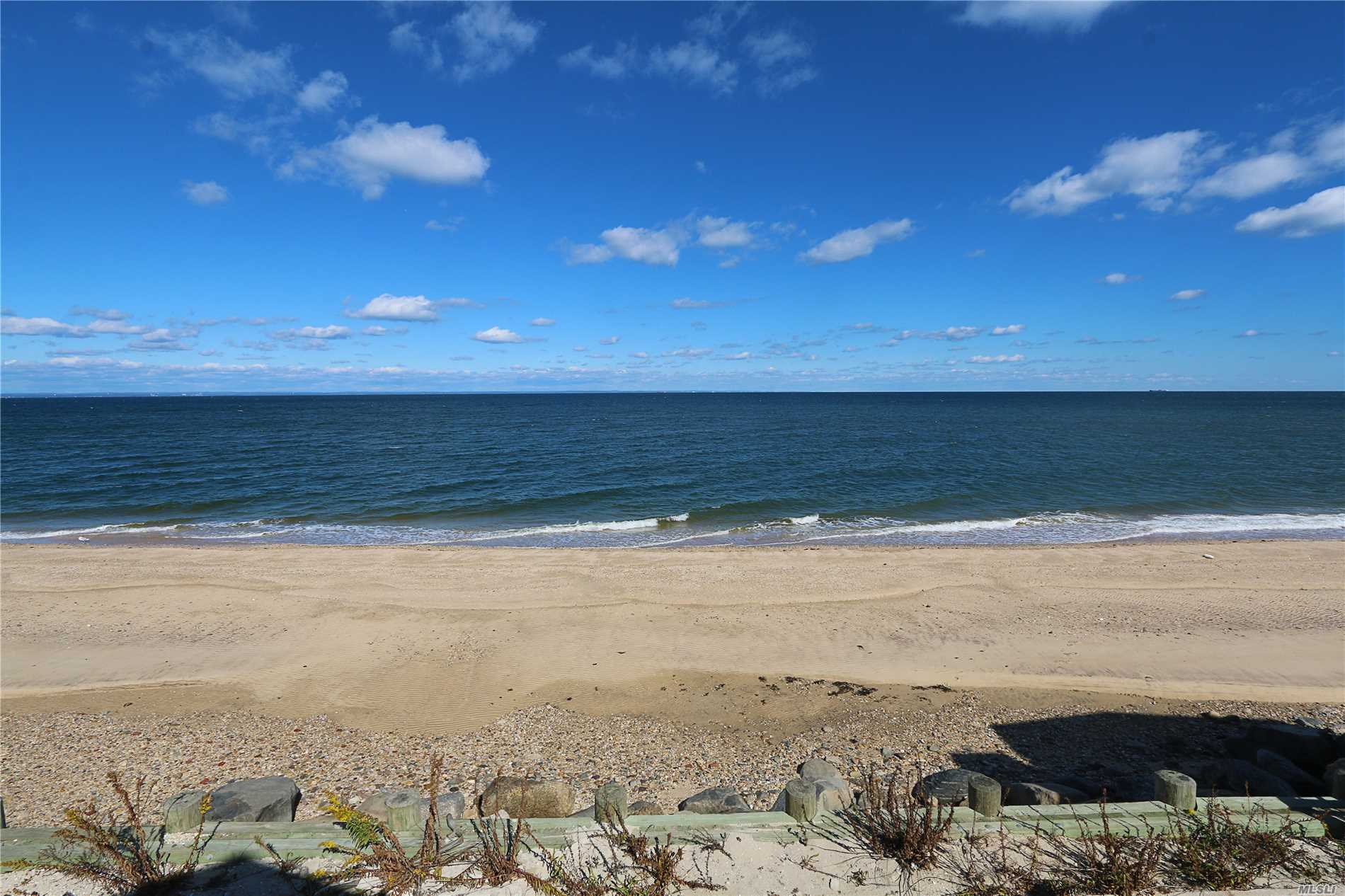 Photo of home for sale at 39-A Makamah Beach Rd, Northport NY