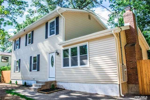 Photo of home for sale at 3 Tilney Ave, Medford NY