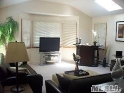 Photo of home for sale at 231 Pearl St, Ronkonkoma NY