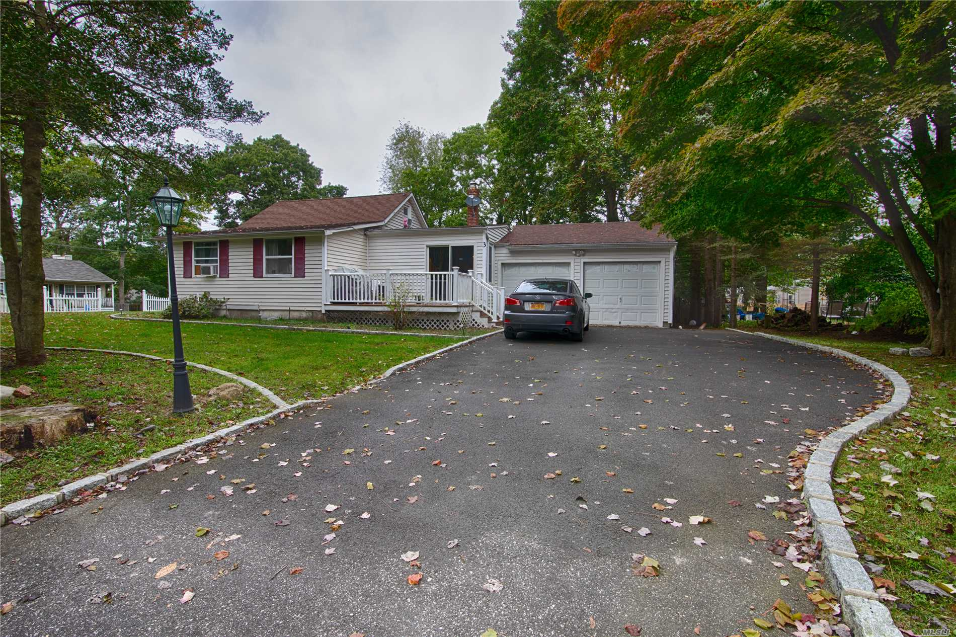Photo of home for sale at 3 University Drive, Rocky Point NY
