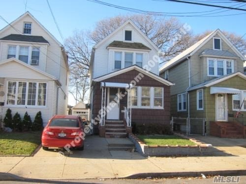 Photo of home for sale at 114-50 114 St, Wakefield NY