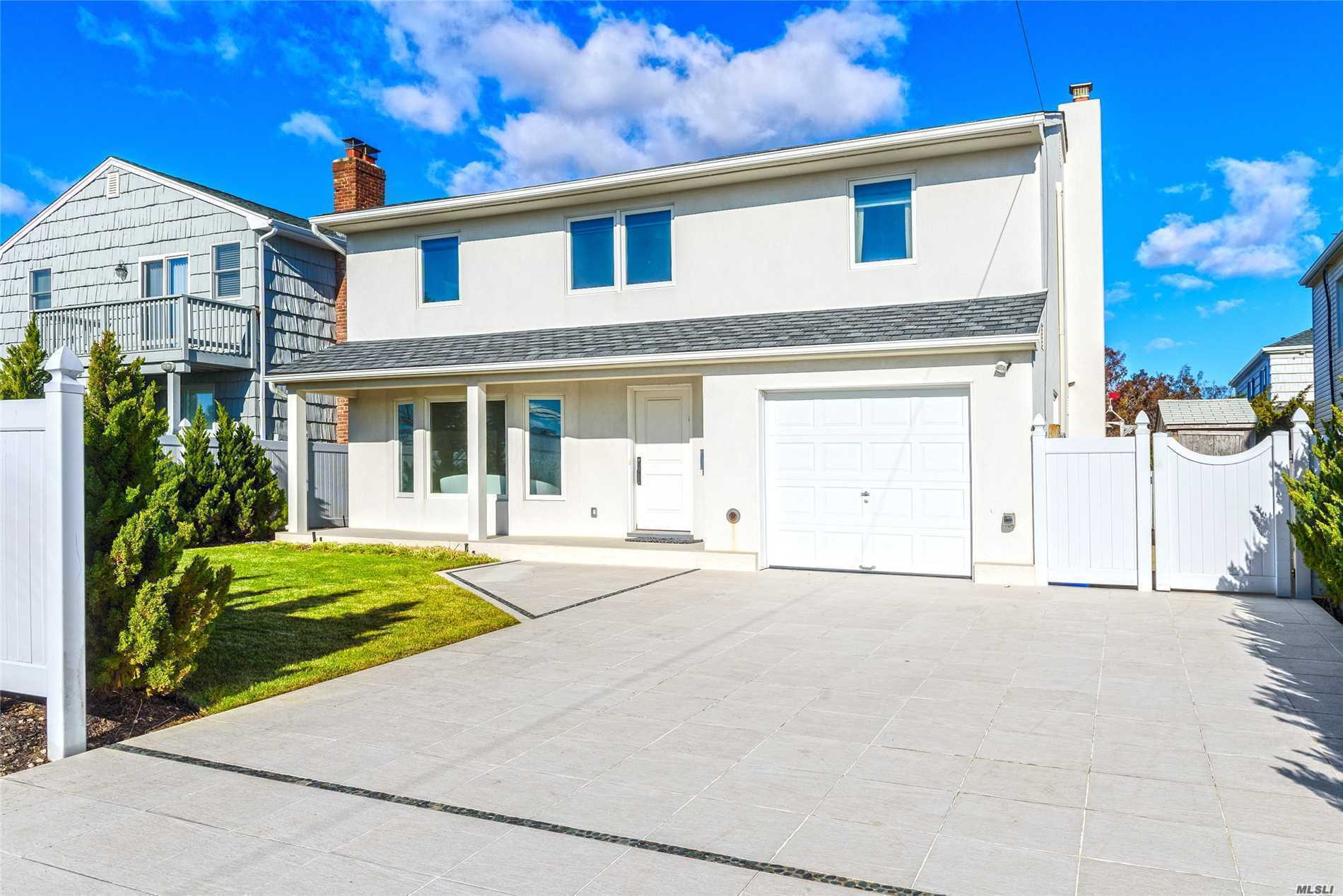 Photo of home for sale at 1570 Ocean Blvd, Atlantic Beach NY
