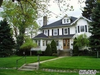 Photo of home for sale at 27 West Neck Rd, Huntington NY