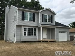 Photo of home for sale at 21 Middle Island Av, Medford NY