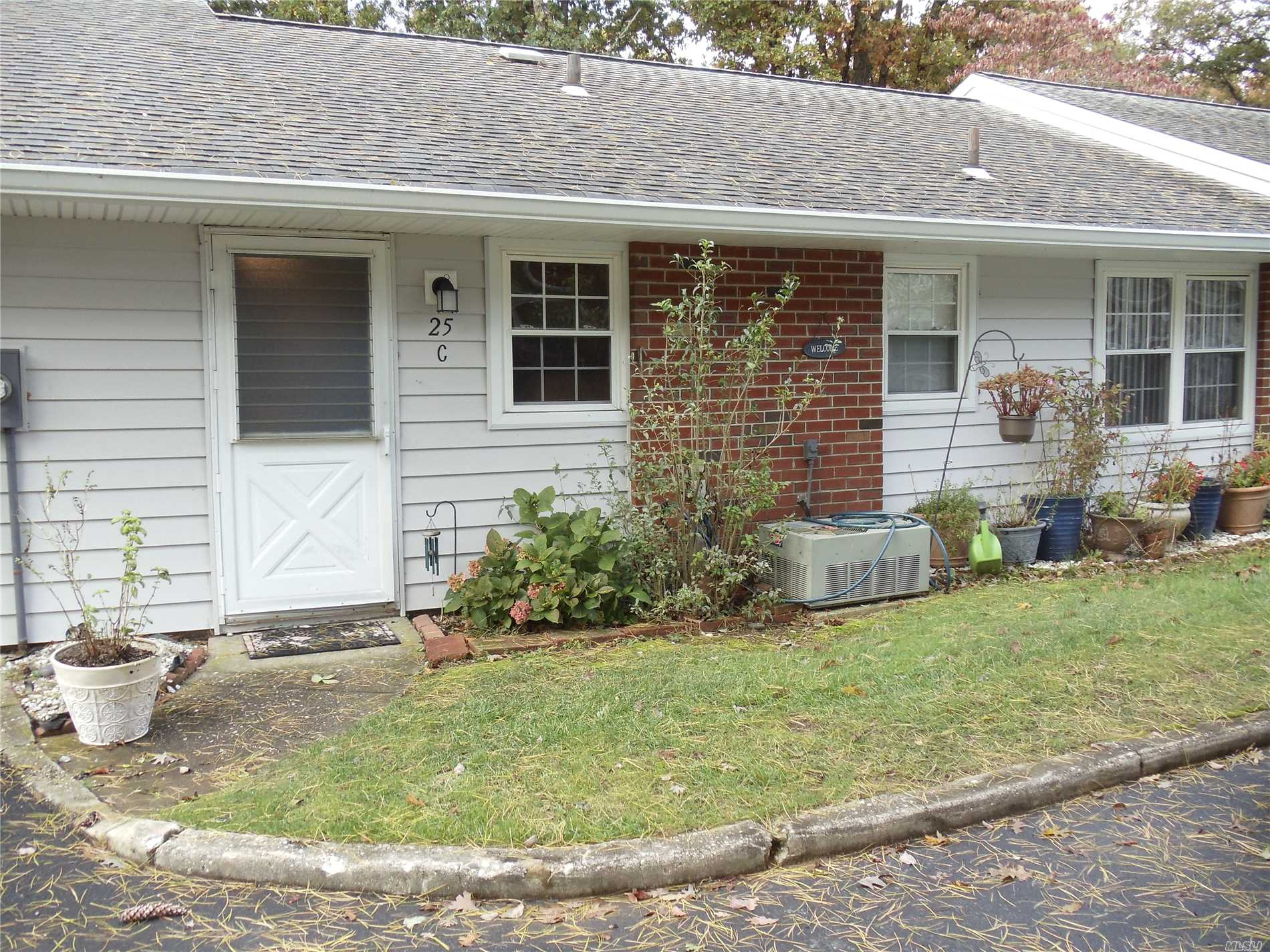 Property for sale at 25C Trent Ct, Ridge,  NY 11961