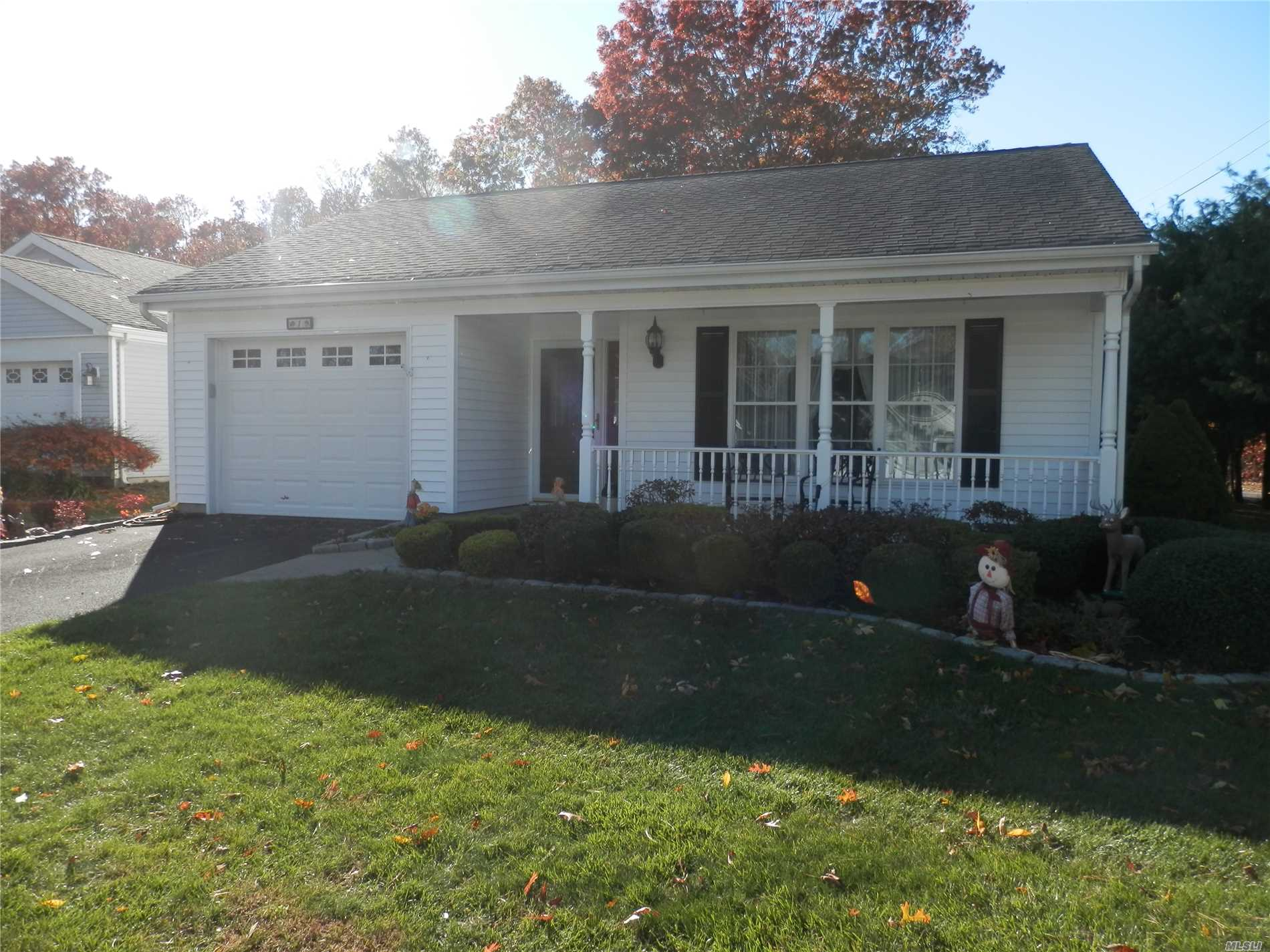 Property for sale at 1 Lamont Rd, Ridge,  NY 11961