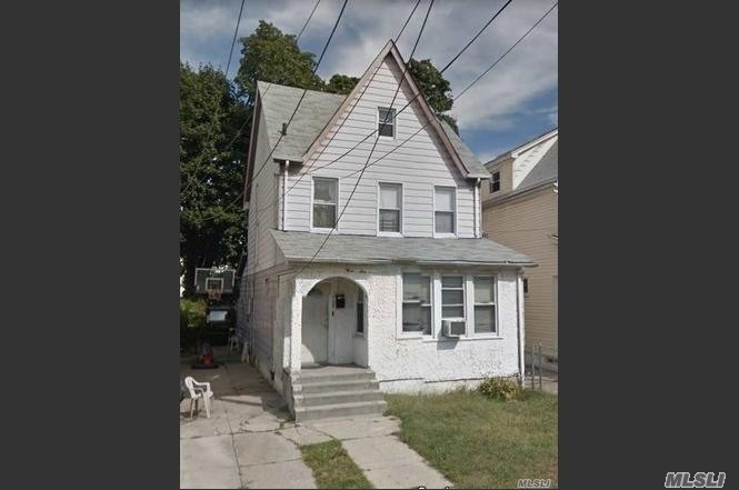 Photo of home for sale at 113-29 207th St, Queens Village NY