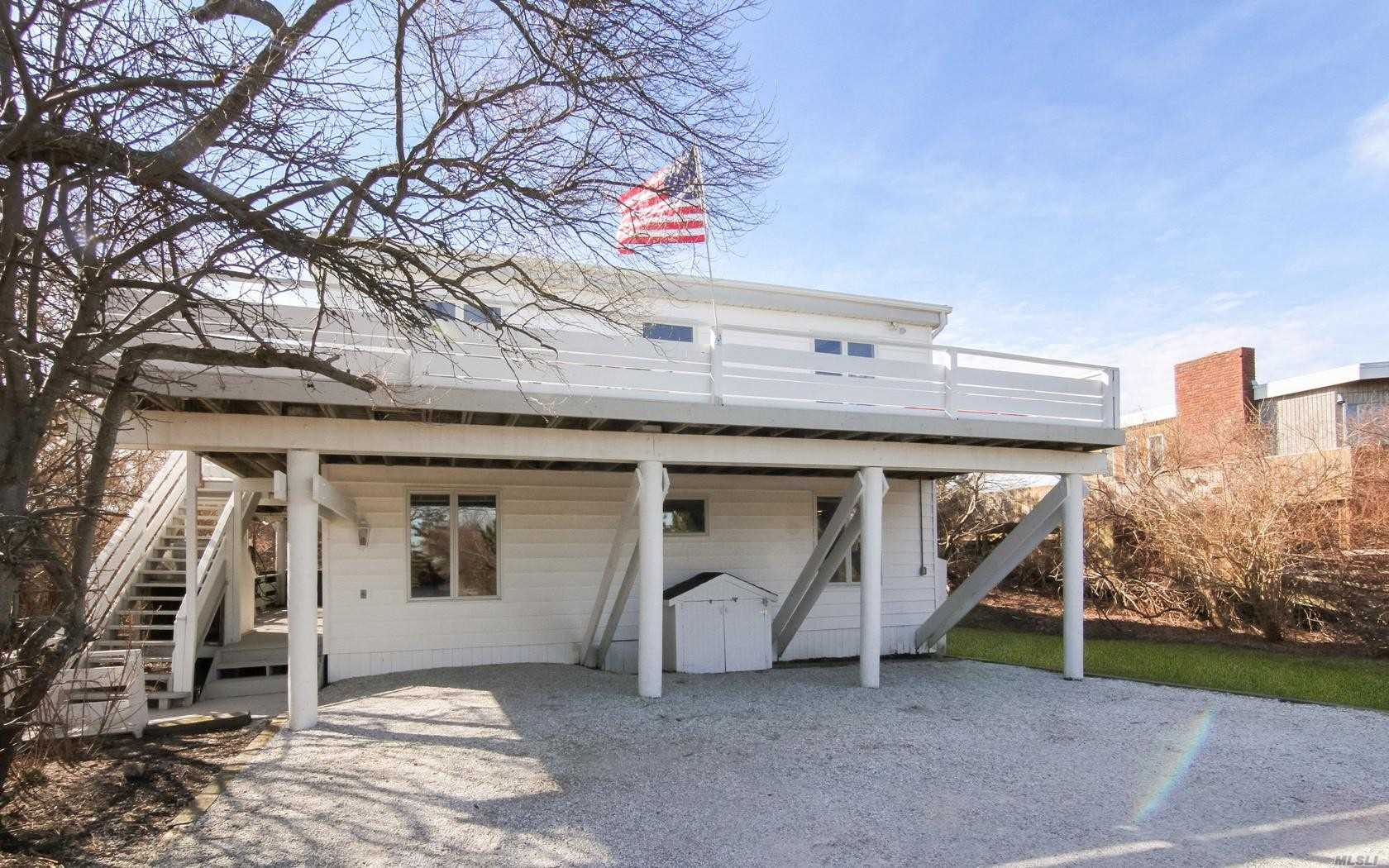 Photo of home for sale at 547 Dune Rd, Westhampton NY