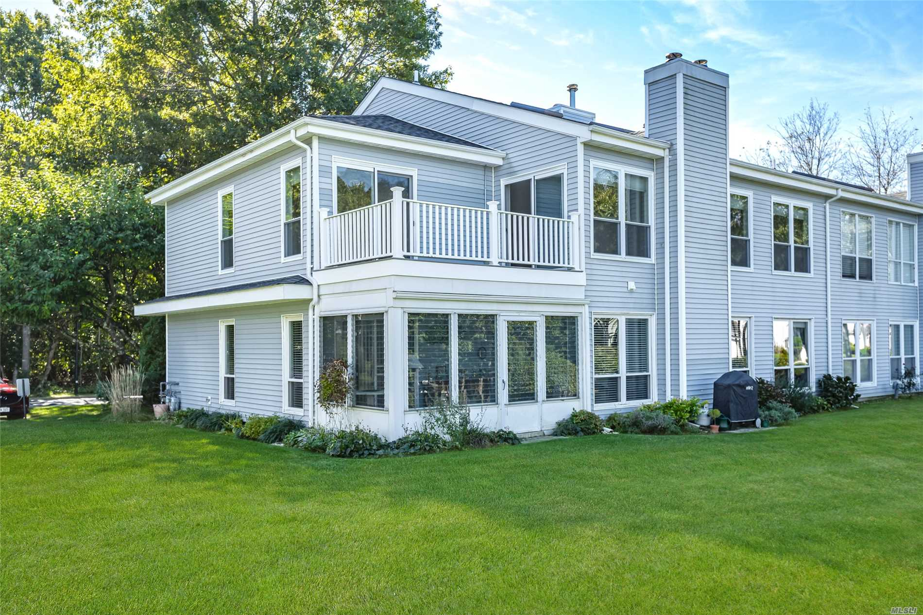 Property for sale at 90 Hampton Vista Dr, Manorville,  NY 11949
