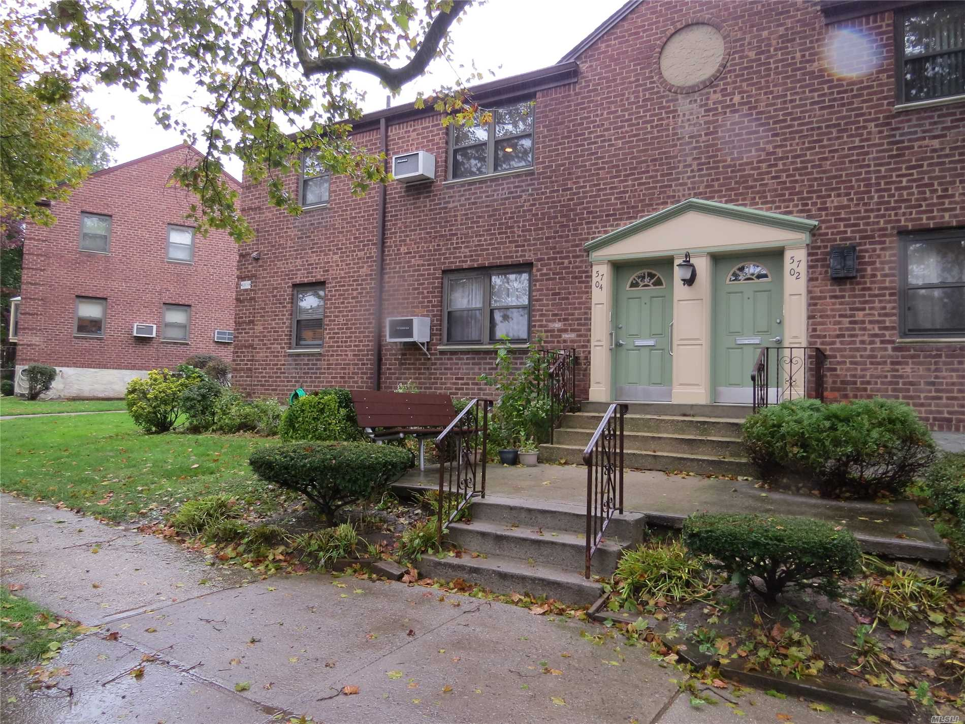 Photo of home for sale at 57-04 246 Cres, Douglaston NY