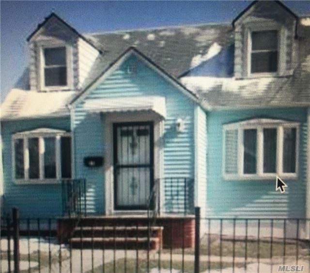 Photo of home for sale at 27 Stone St, Elmont NY