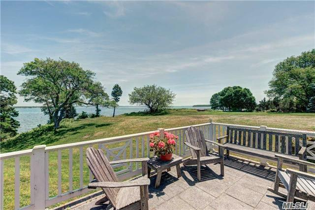 Photo of home for sale at 199 Old Harbor Rd, New Suffolk NY