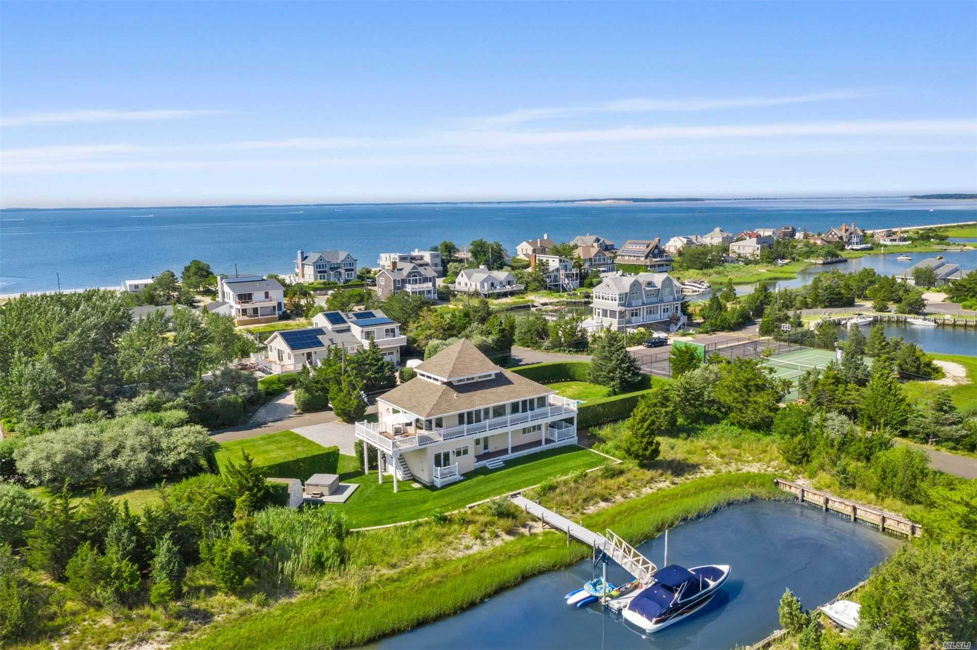 Photo of home for sale at 20 Sandgate Ln, Southampton NY