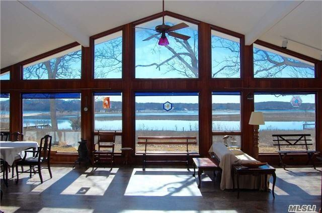 Photo of home for sale at 365 Island View Ln, Greenport NY
