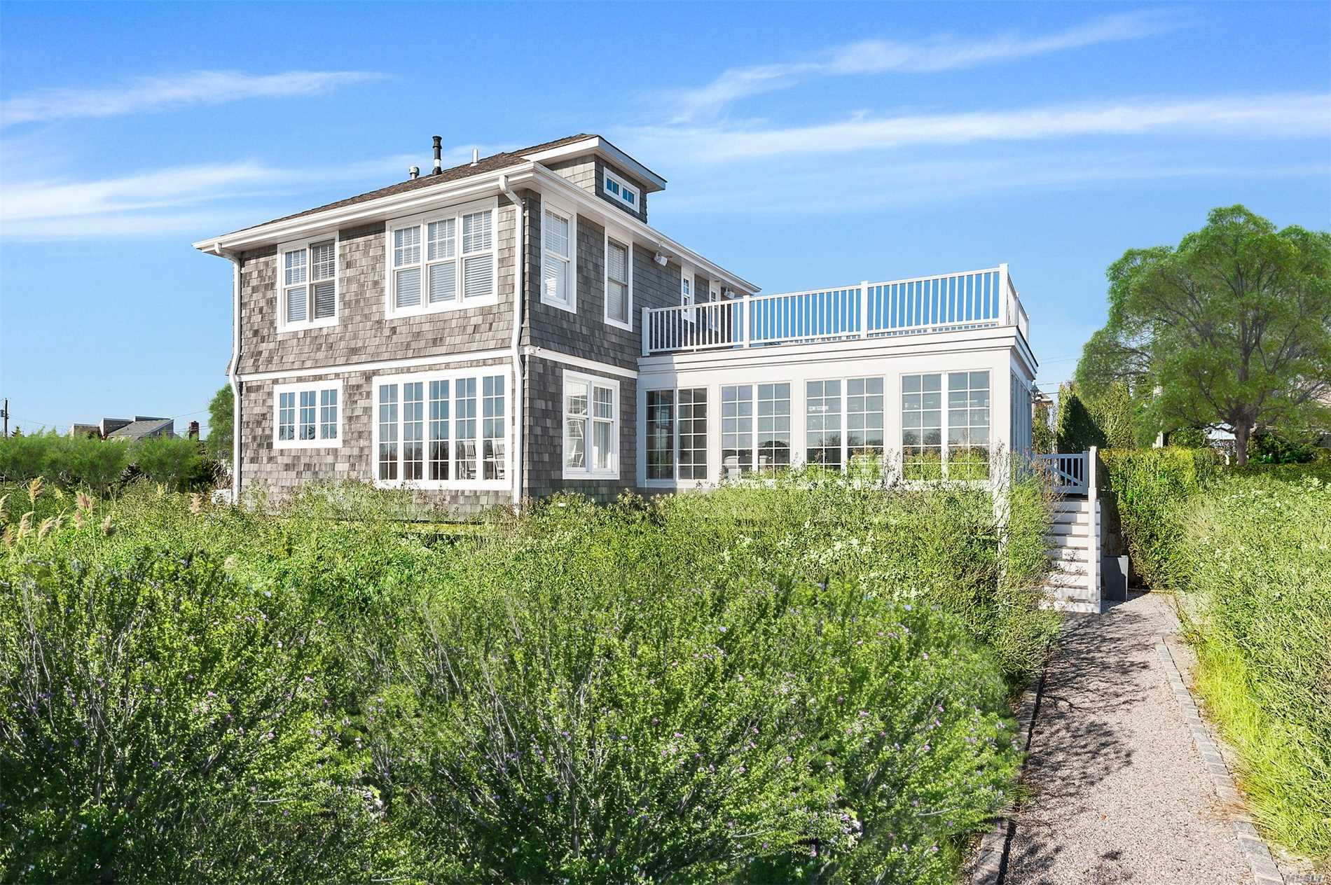 Photo of home for sale at 128 Cold Spring Poin Rd, Southampton NY