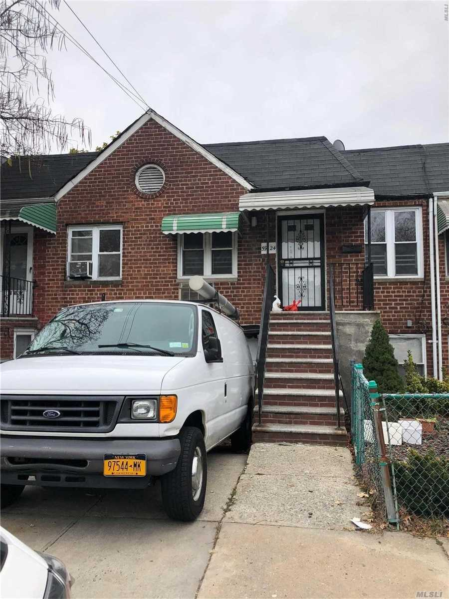 Photo of home for sale at 59-24 164 St, Flushing NY